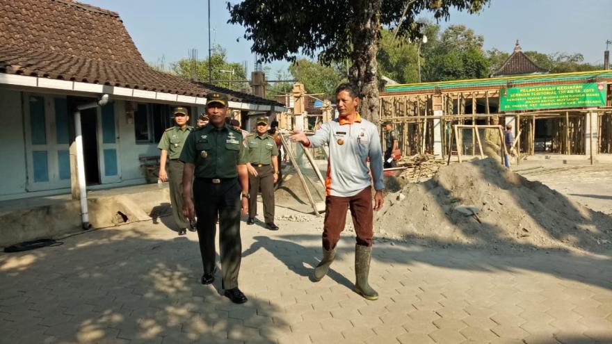Image : Karya Bhakti TNI dan Warga Masyarakat Desa Trasan