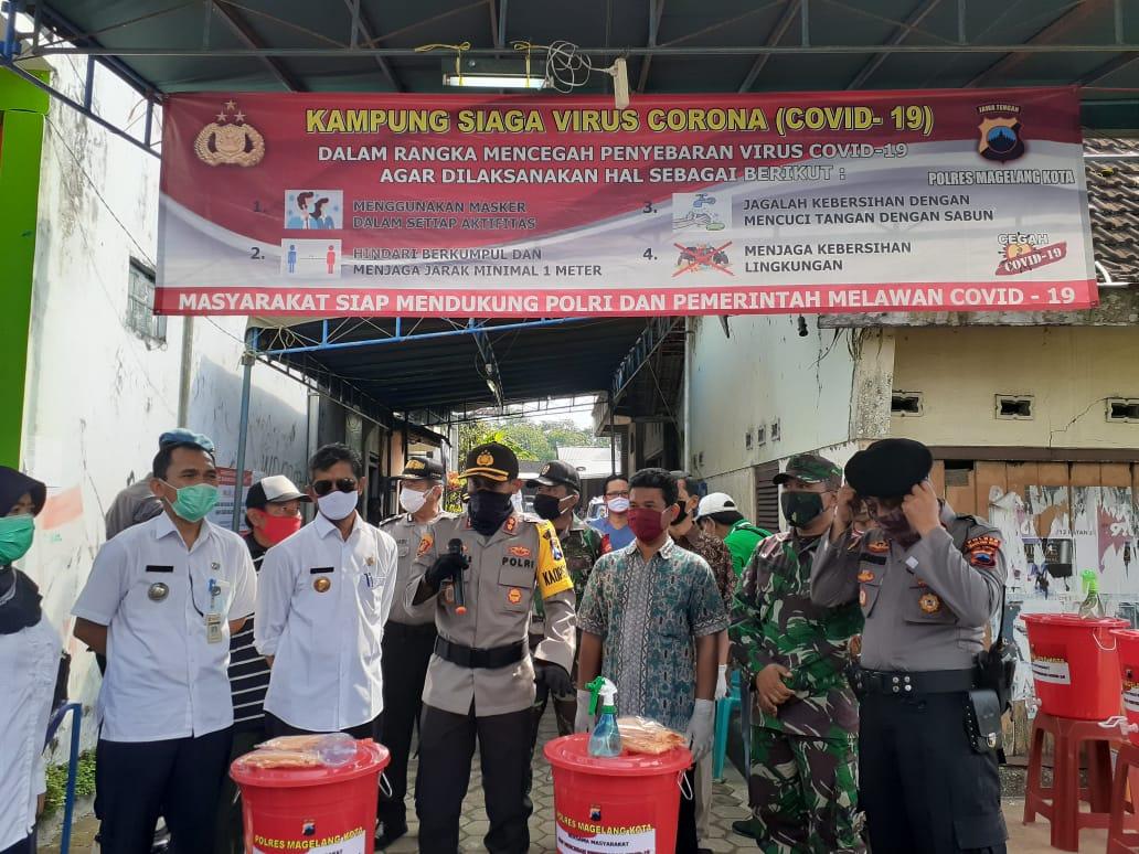 Image : Kapolres Kota Meresmikan Kampung Siaga Covid-19